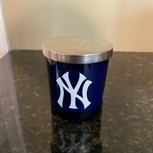 NY Yankees candle. Brand new. Vanilla scent